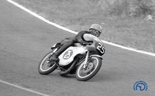 Bultaco 125TSS-Beltoise 1963-1.JPG