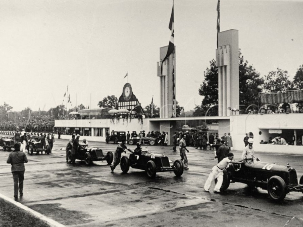 parade-at-the-italian-grand-prix-monza-1933c.jpg