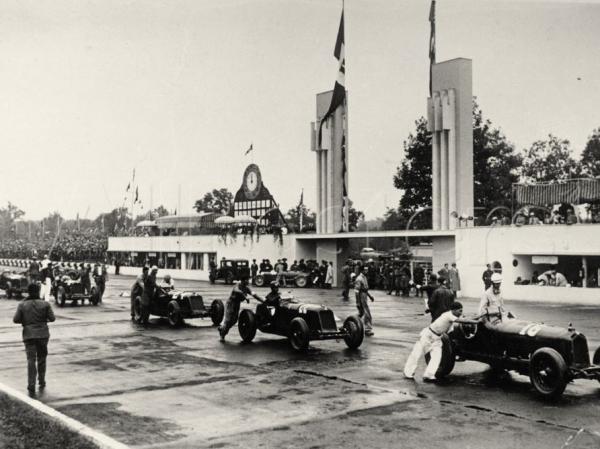parade-at-the-italian-grand-prix-monza-1933c.jpg
