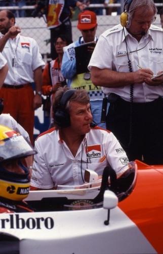 TYLER-ALEXANDER-de-retour-chez-McLaren-aux-cotes-du-grand-AYRTON-SENNA-450x680.jpg